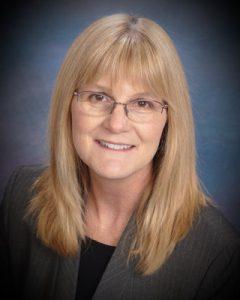Lynn Bohecker Headshot